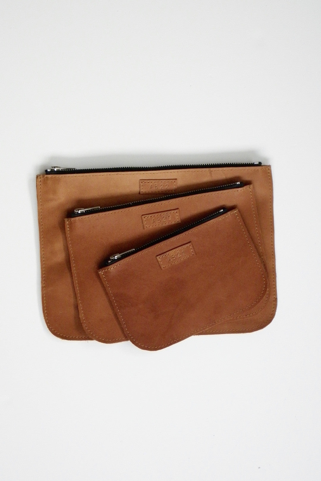 #20 Medium Coupe Pouch / Tobacco