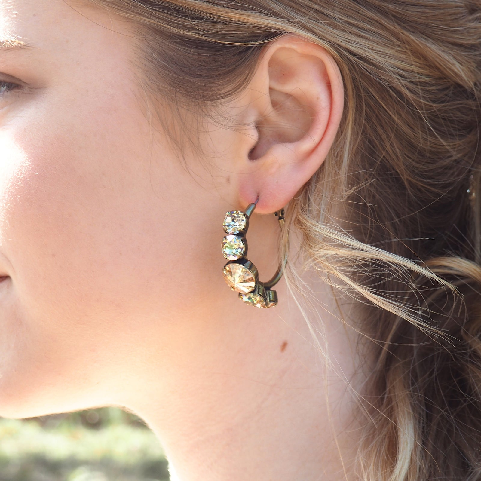 Head Over Heels Earrings - Golden Shadow