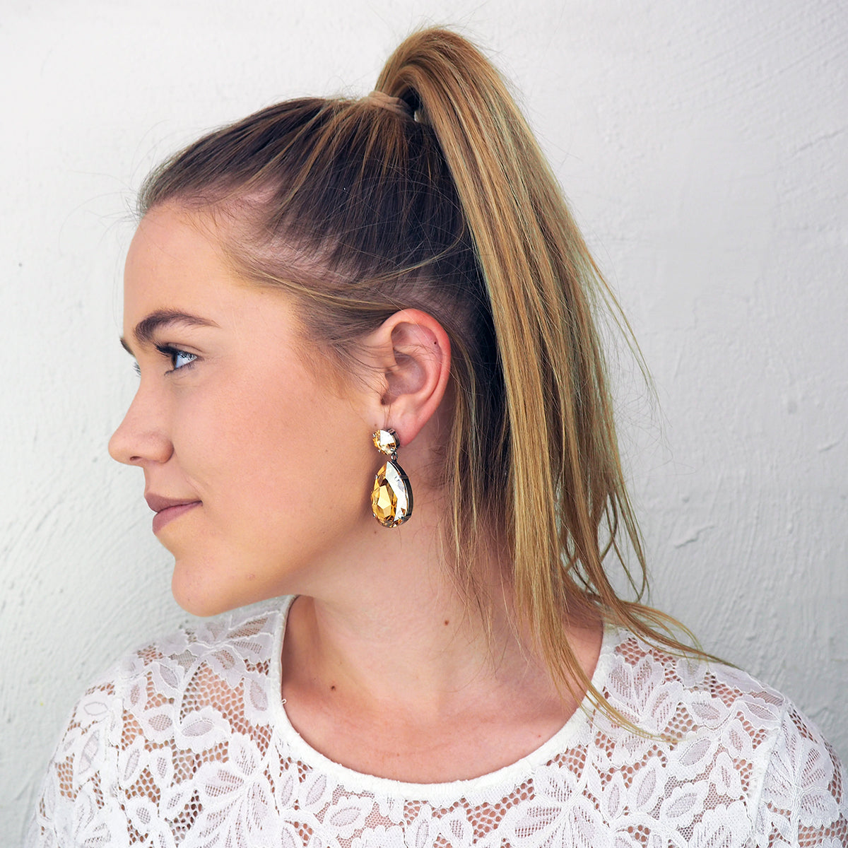 Starstruck Earrings - Golden Shadow