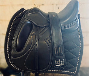 "17"" Luxe dressage saddle"