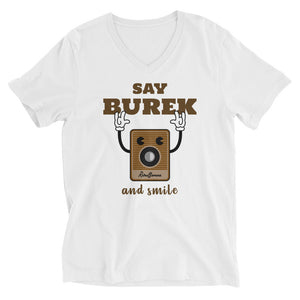 """Say Burek and smile"" - T-Shirt mit V-Ausschnitt"