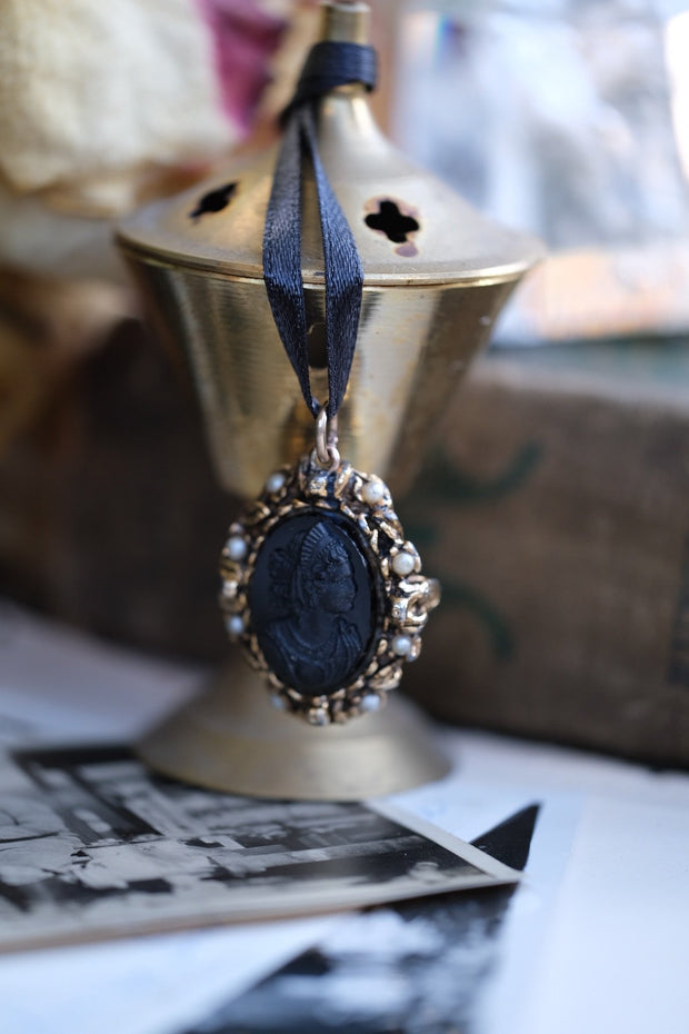French Cameo//Goddess Mourning Necklace