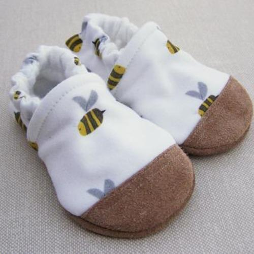 Organic Cotton Slipper - Busy Bee by Snow & Arrow
