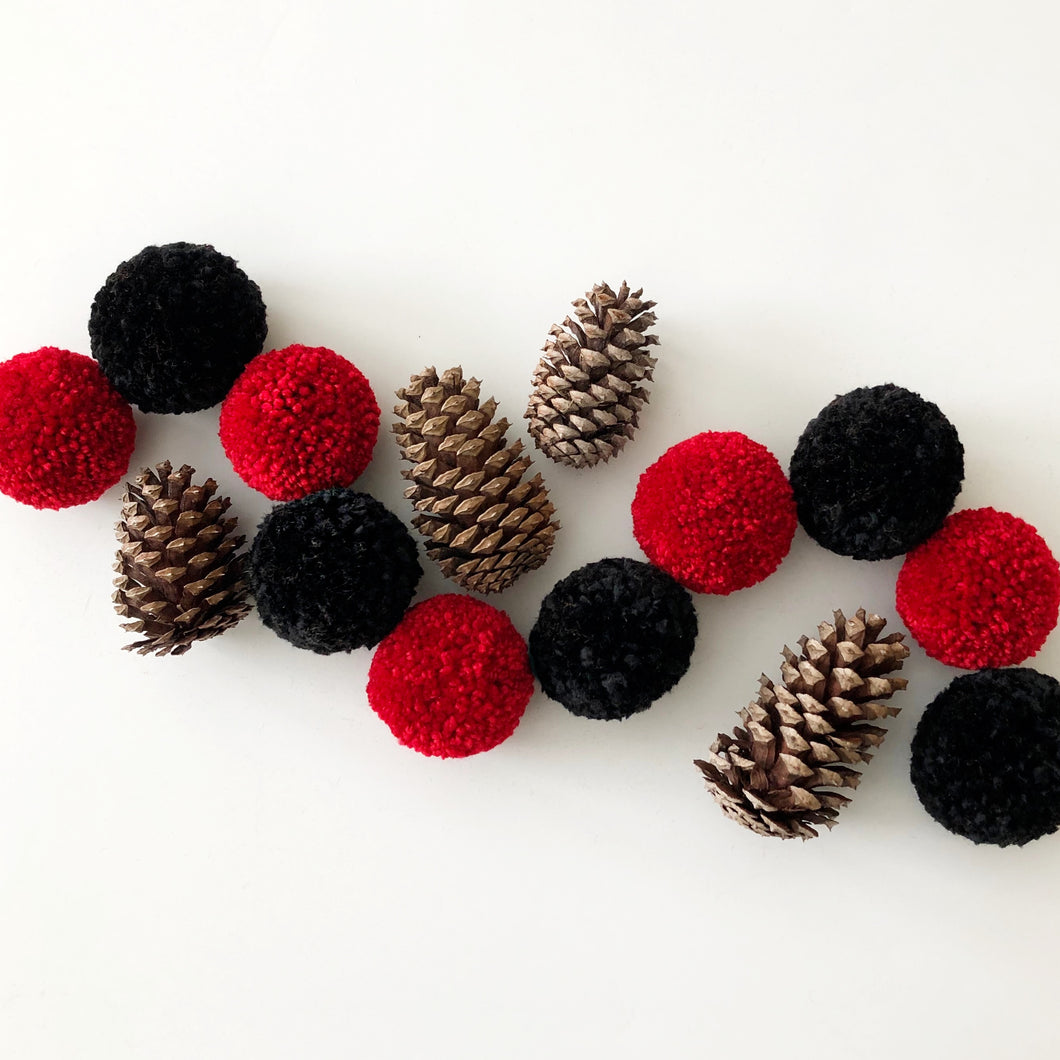 Christmas Pom Pom Garland, Yarn Pom Pom Plaid Lumberjack Colors, Kids Party Room Decor