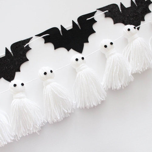Ghost Tassels Garland, Yarn Ghosts Halloween Garland, Halloween Party Banner, Pom Pom Room Decor