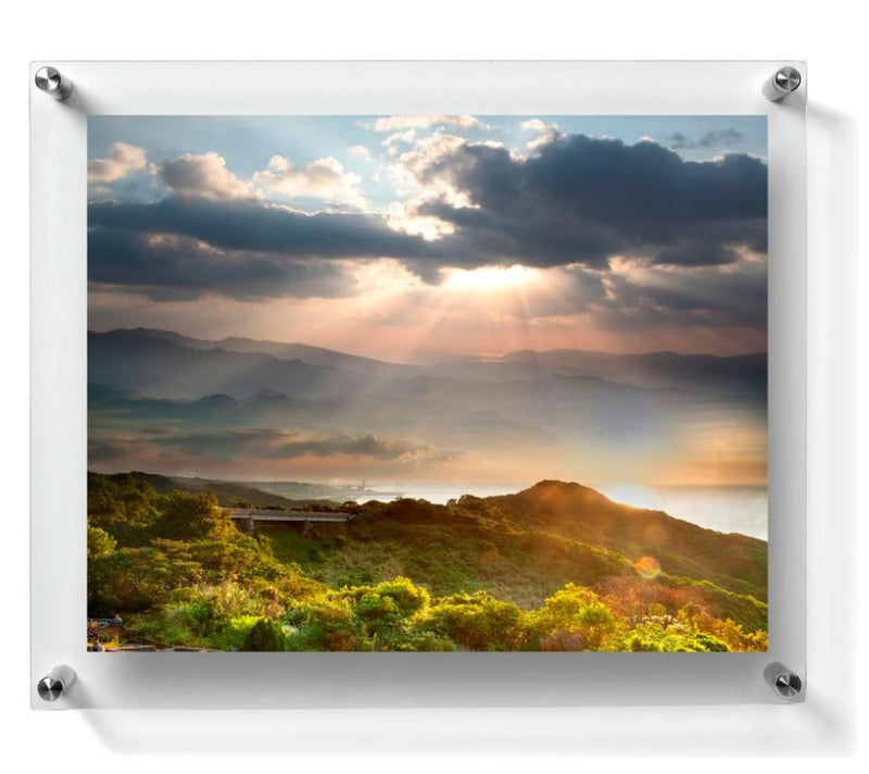 LUX Standoff Floating Acrylic Photo Art Frame (Photo size 8x10''/ Frame size 11x13'')