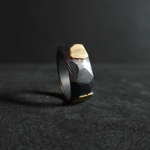 Ring from the manOr collection