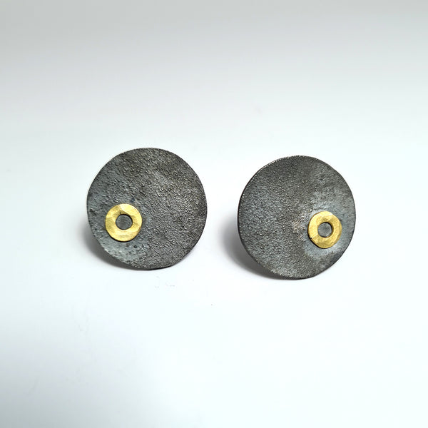 Earrings O of the imProvisada collection