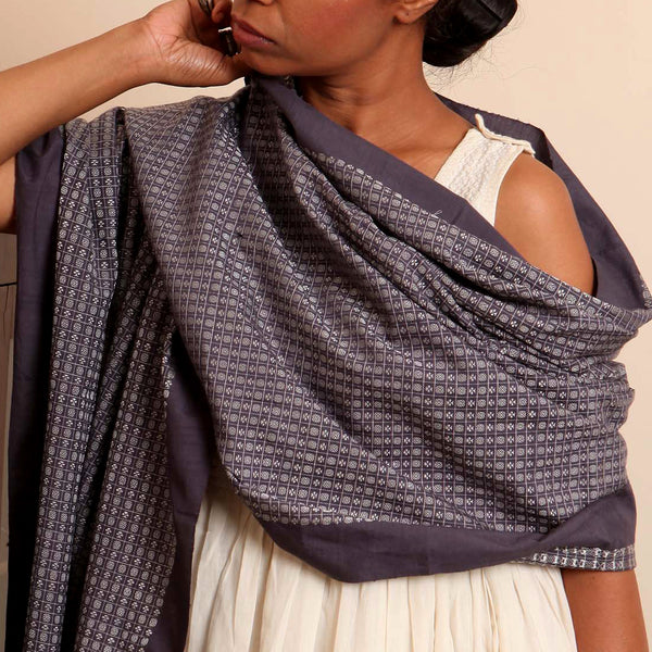 Chota Hardi Khun Cotton-Silk Stole: Dark Grey