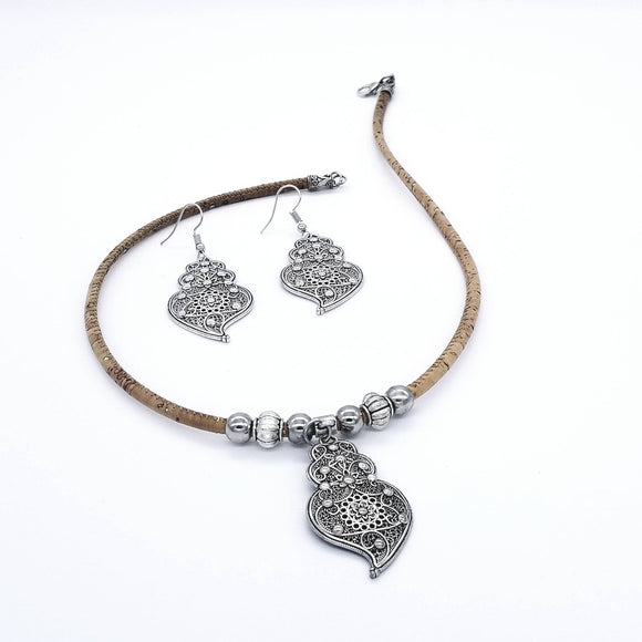 Heart of Viana Necklace and Earrings Set