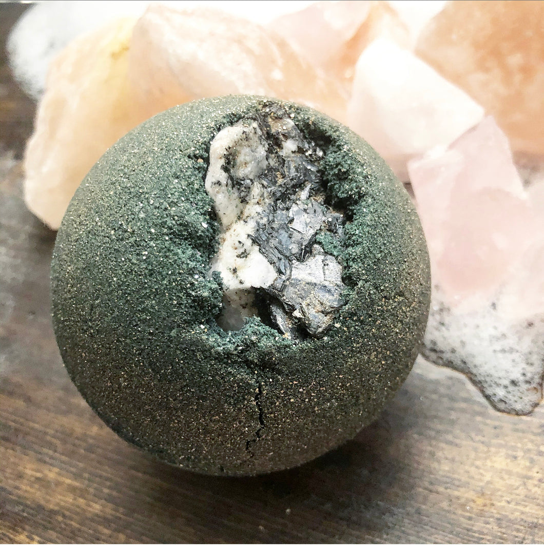 Good Witch Moonstone Geode Bath Bomb