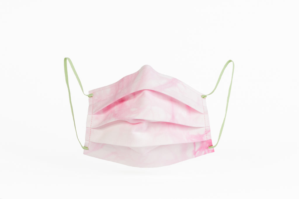 Pink and white tie dye masks certified by CITEVE.