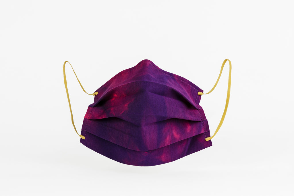 Tie-dye masks in purple, certified by CITEVE.