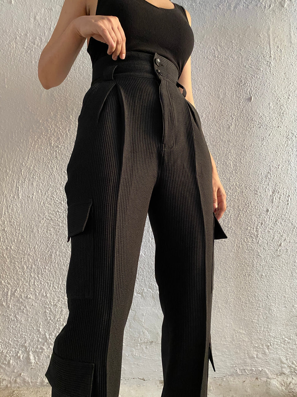 TEXTURED PANTS IN BLACK [UNISEX]