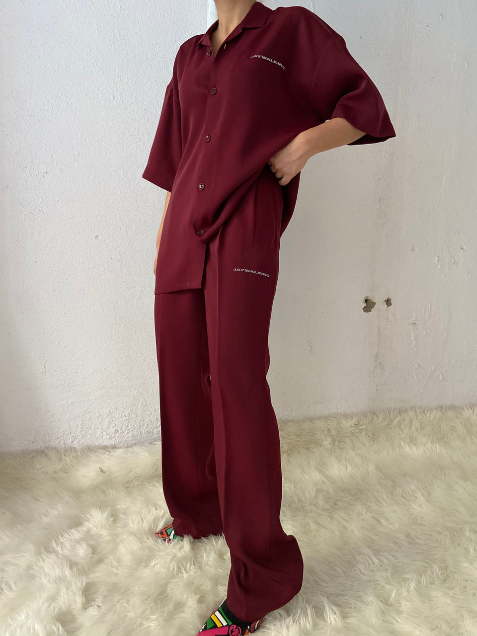 MAROON PLEATED PANTS [UNISEX]