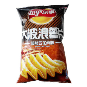 Lay's Potato Chips (Grilled Pork Flavor) 70g - KonveniGomart