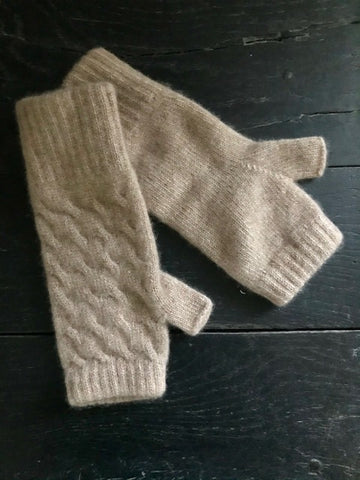 Cable Knit Cashmere Handwarmers
