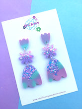 Load image into Gallery viewer, Minty Tulip Dangles-Flower Earring Studs.