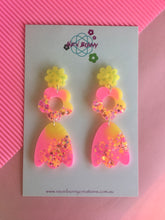 Load image into Gallery viewer, Neon daisy dangles flower earrings