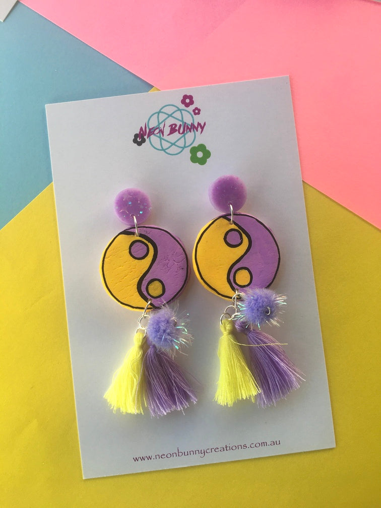 Mini yin yang earrings with tassels