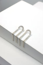 Load image into Gallery viewer, Martine Viergever - Earring - Arcade short - silver