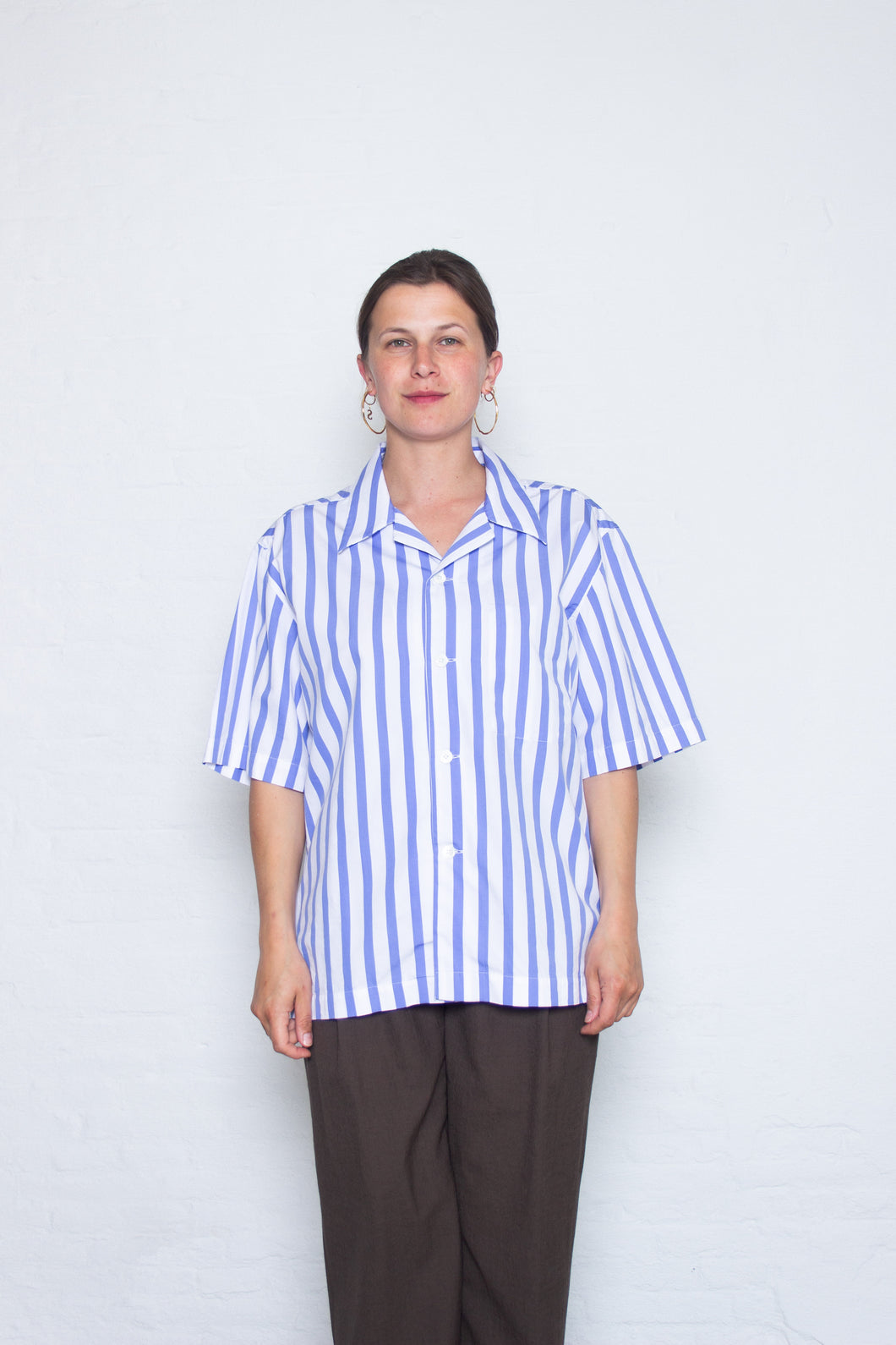 Delikatessen - Short sleeve oversized shirt - white/blue