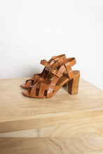 Load image into Gallery viewer, Vanessa Bruno - Shoe - camel