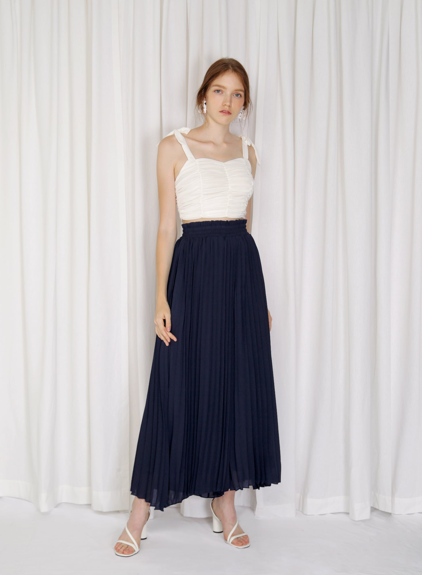 Alto Gathered Waist Pleated Pants (Navy)