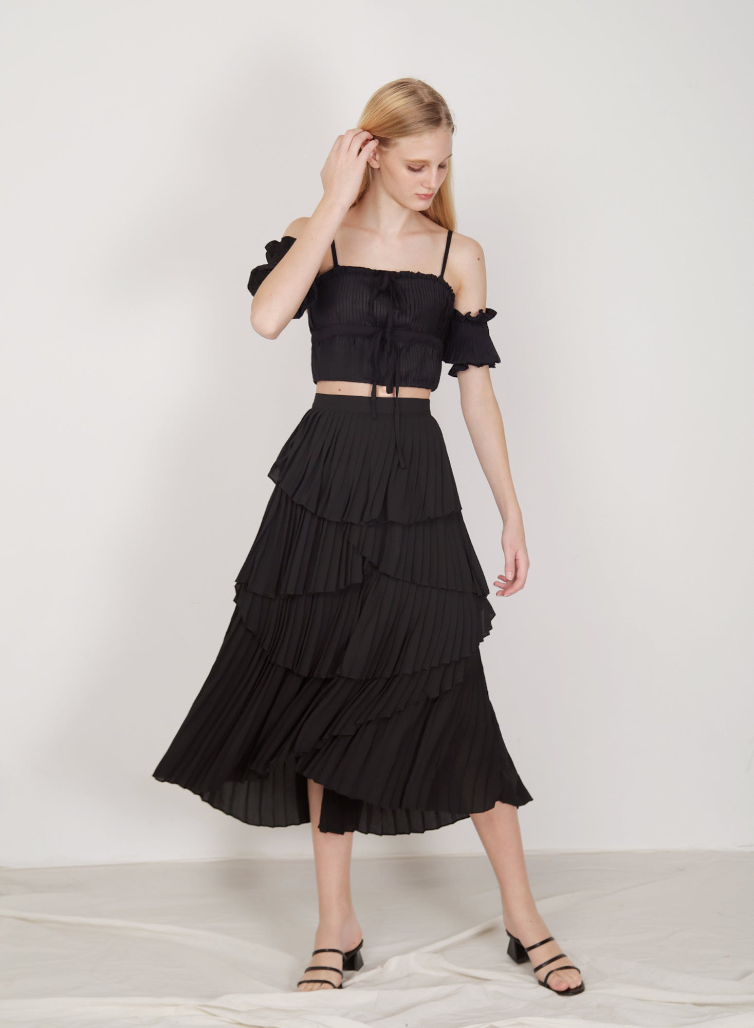 Nouveau Pleated Tiers Skirt (Black)