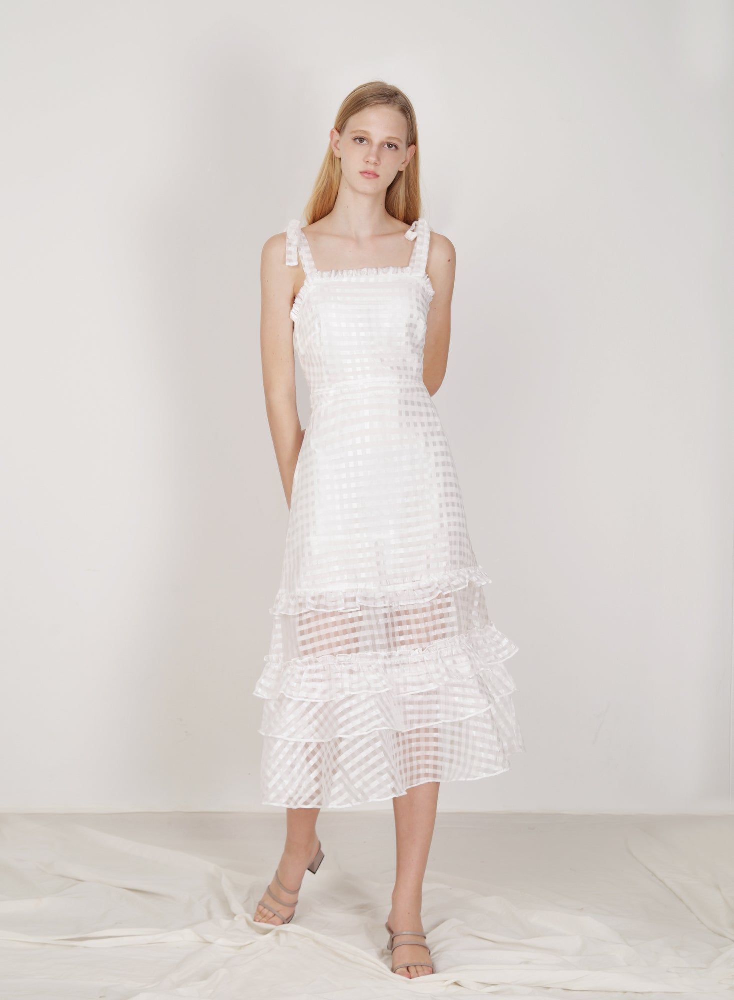 Relic Ribbon Straps Organza Dress (White)