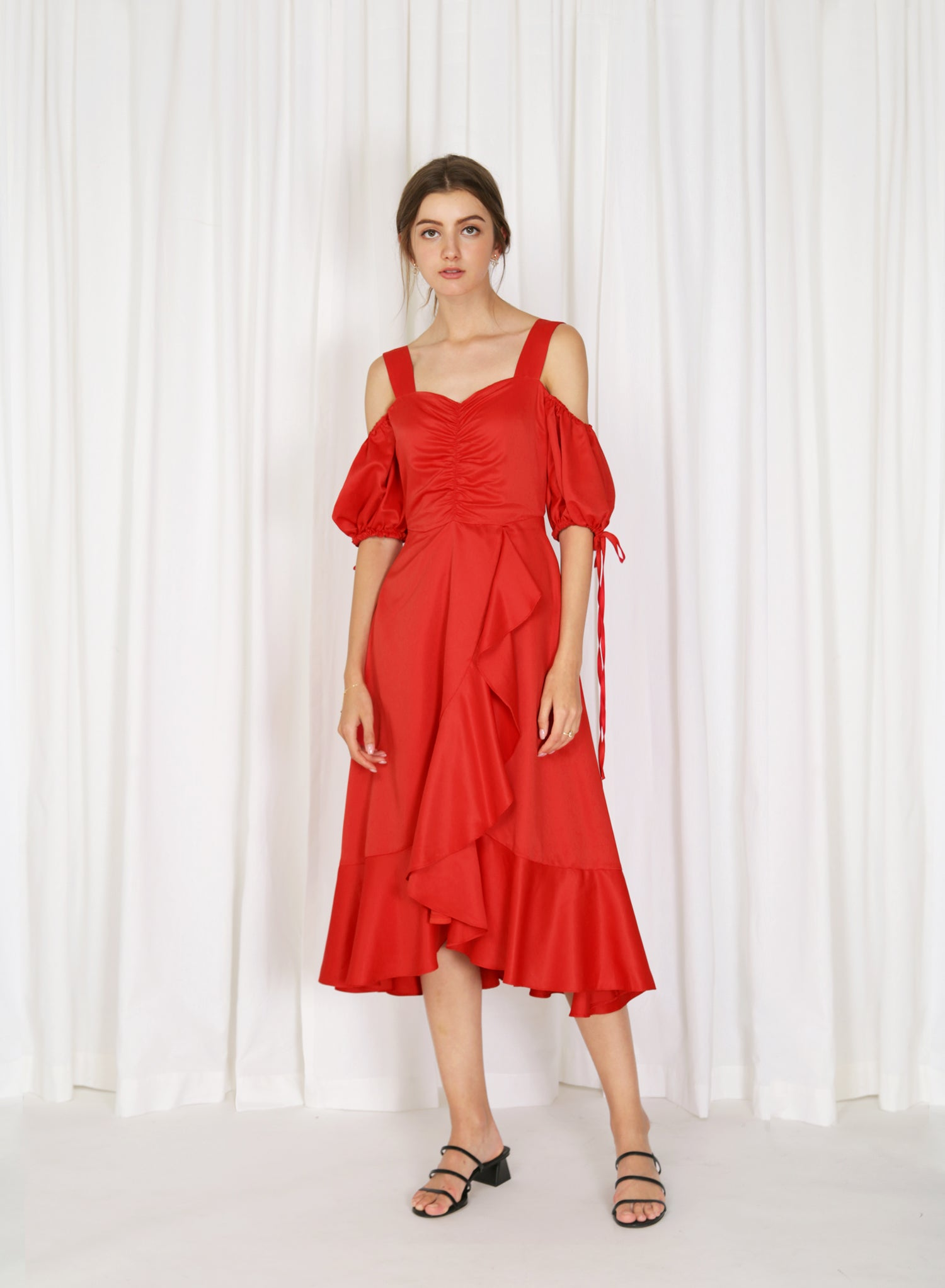 Harstad Cold Shoulder Ruched Dress (Cherry)