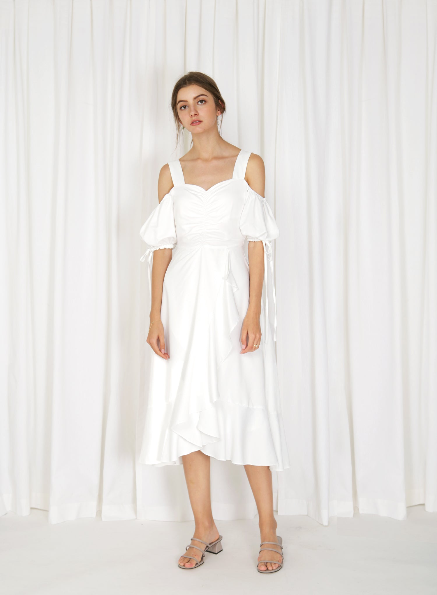 Harstad Cold Shoulder Ruched Dress (White)