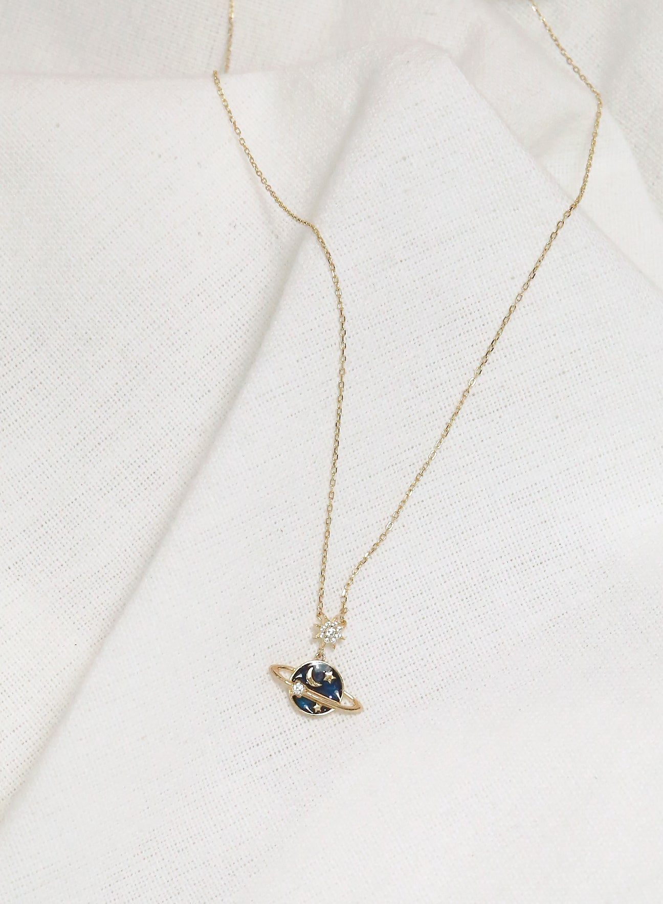 Starry Saturn Necklace (Gold)