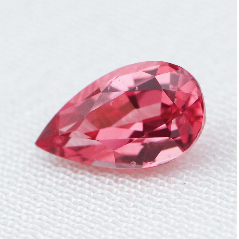 Load image into Gallery viewer, 0.74ct Spinel (7.4 x 4.5mm) Cabinetofcuriosityjewellery