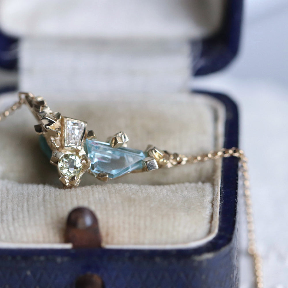 Load image into Gallery viewer, Aquamarine Necklace - Cabinetofcuriosityjewellery