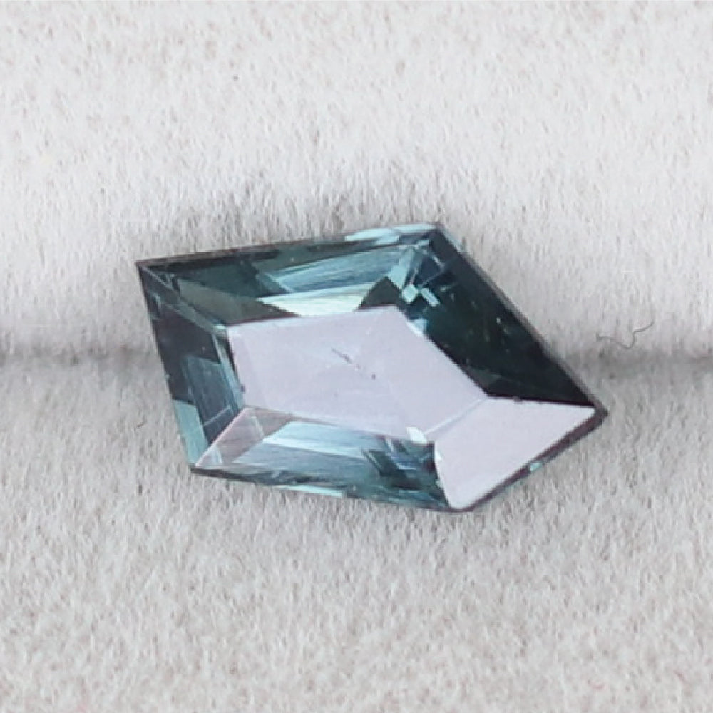 Load image into Gallery viewer, XL004 Spinel (6.6x4mm) - Cabinetofcuriosityjewellery