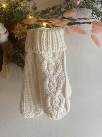 Rella - Cable Knit Mittens in Warm White