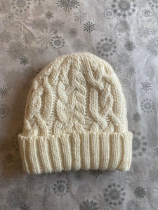 Rella - Cable Knit Hat in Warm White