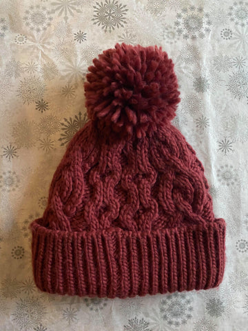 Rella - Cable Knit Pom Hat in Cranberry