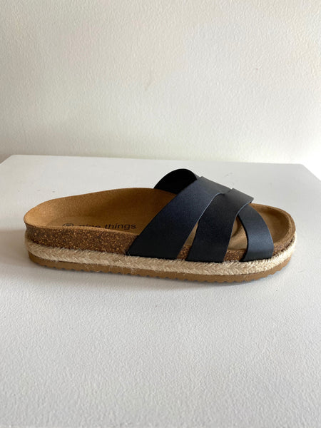 Nice Things Palomas - Breezy Slides in Black
