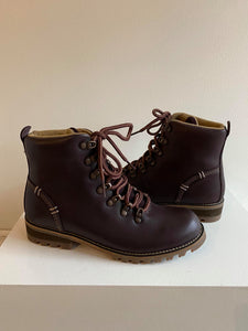 Kodiak - Fernie Waterproof Lace Up Boot in Eggplant