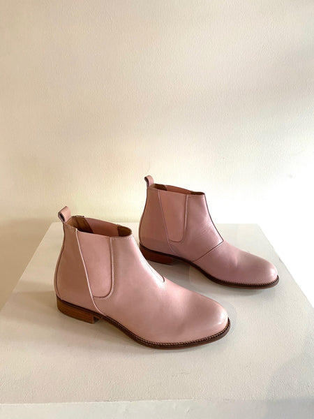 Ten Points - Leather Chelsea Boots in Pink
