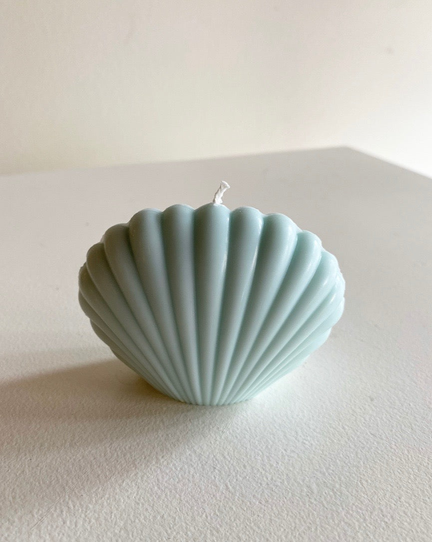 Sunday Skies Studio - The Shell Candle in Blue