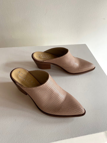 Ateliers - Perforated Leather Mule in Blush