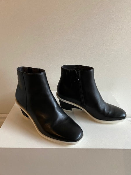 Camper - Angled Heel Boot