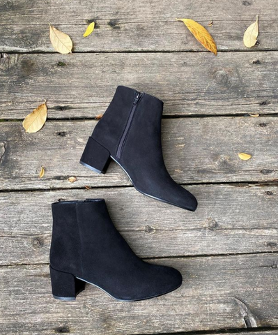 Ateliers - Block Heel in Black Suede