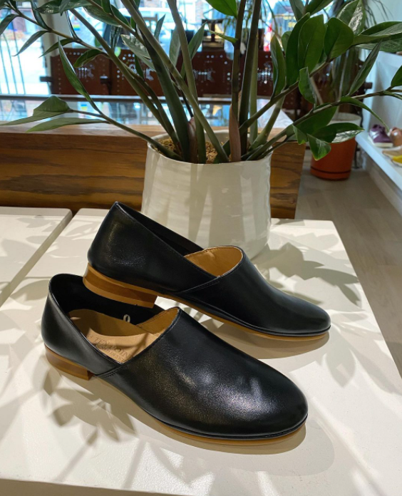 Ten Points - Loafer in Black Leather