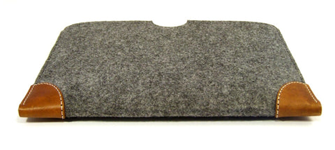 MacBook PRO (ALL MODELS) grey felt case sleeve with premium LEATHER CORNERS