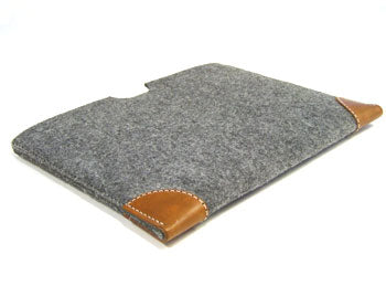 reMarkable 1 felt sleeve case with premium leather corners