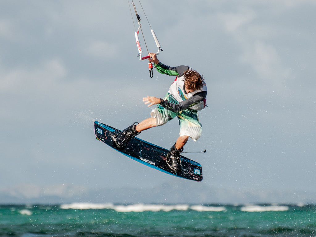 How to kitesurf ? A preliminary guide